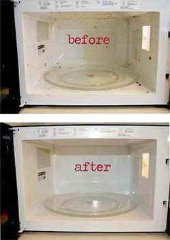 Kitchen hack: steam clean a microwave with vinegar and water!