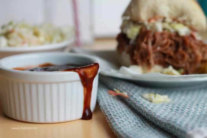 Crock pot bbq pulled pork. This 4 ingredient pulled pork is fast to prepare and SO full of flavor! Your family will love it! Winning pulled pork recipe! Easy pulled pork dinner or lunch, must try!