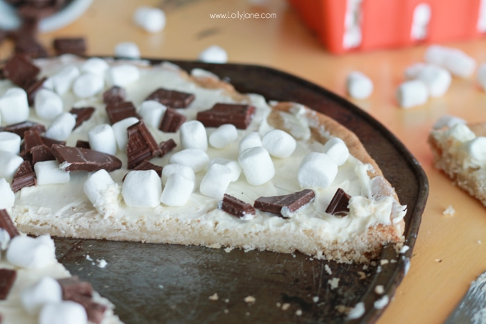 smores cookie pizza