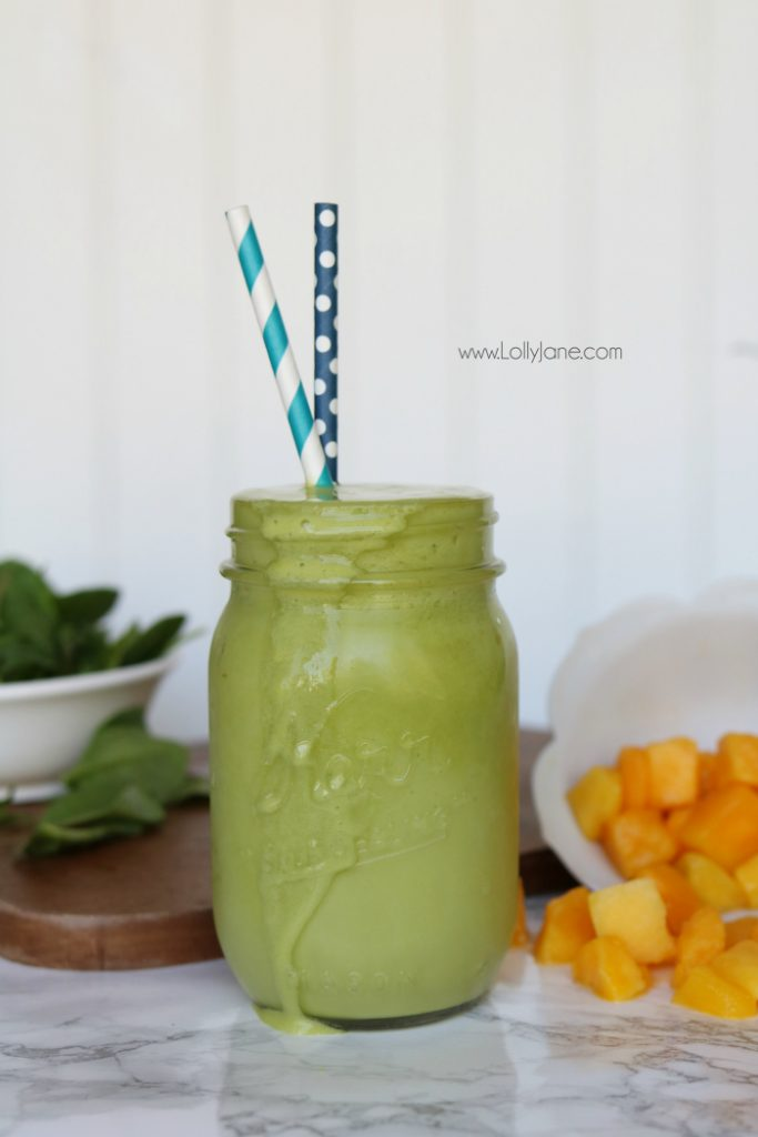 Healthy mango green smoothie recipe! Easy green smoothie recipe, dump frozen mango chunks and blend. Healthy green smoothie for healthy eating ideas!
