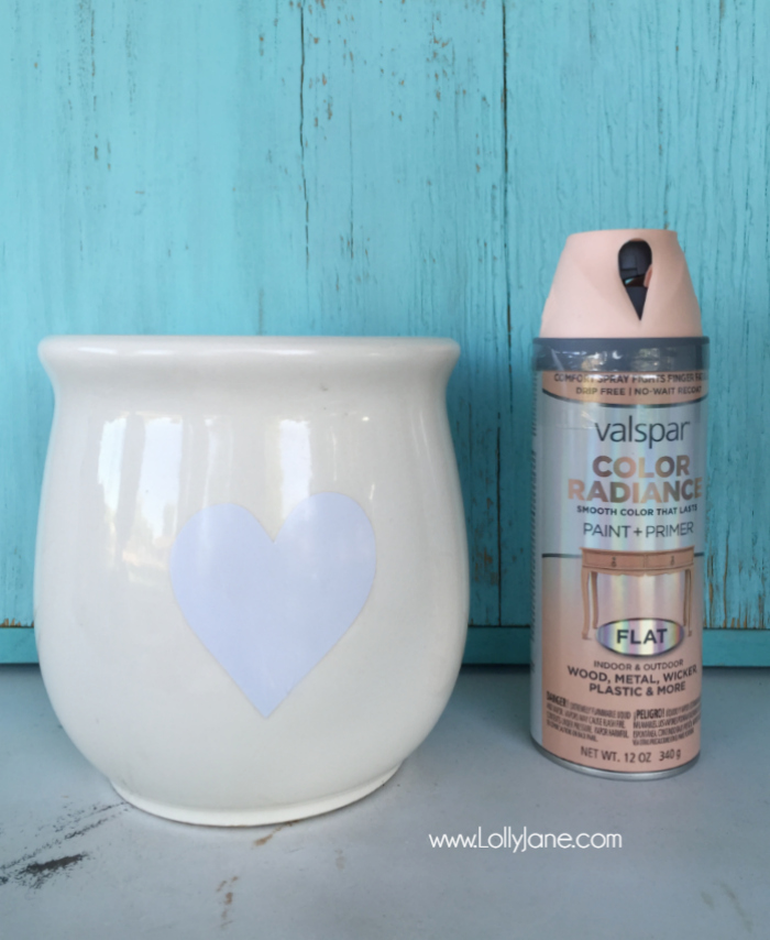Upcycle spray painted flower pot tutorial. Easy before/after flower pot project. Thrift store find turned pretty painted pot.