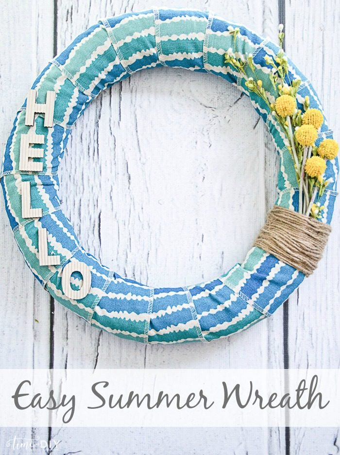Easy summer wreath tutorial. Love this fabric wrapped wreath. Cute summer wreath tutorial!
