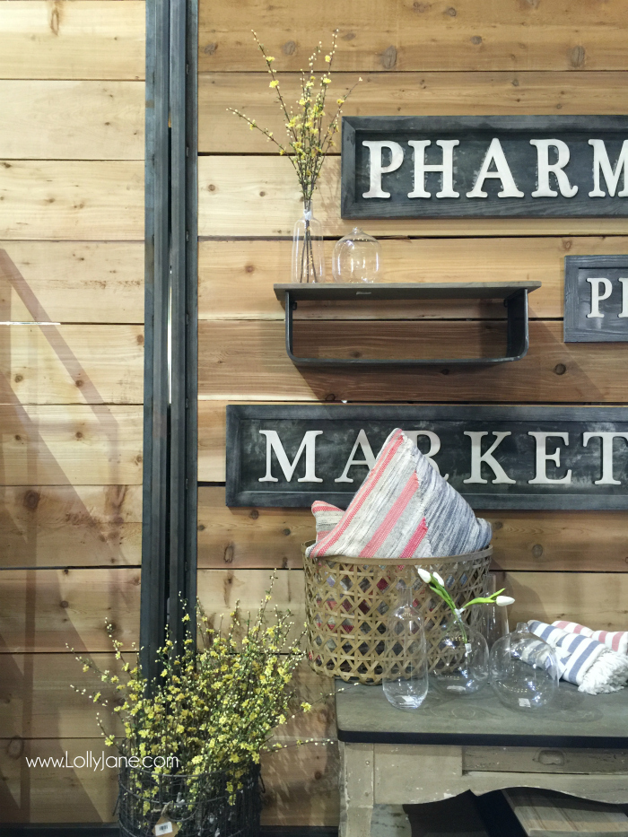 Places to visit in Waco, Texas. Great thrift store suggestions when visiting Magnolia in Waco. Lots of fun finds! Inside look at The Magnolia House and Harp Design Co!!