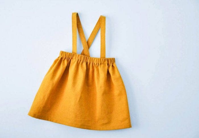 Easy skirt with straps sewing tutorial. Cute little girl's skirt sewing tutorial.