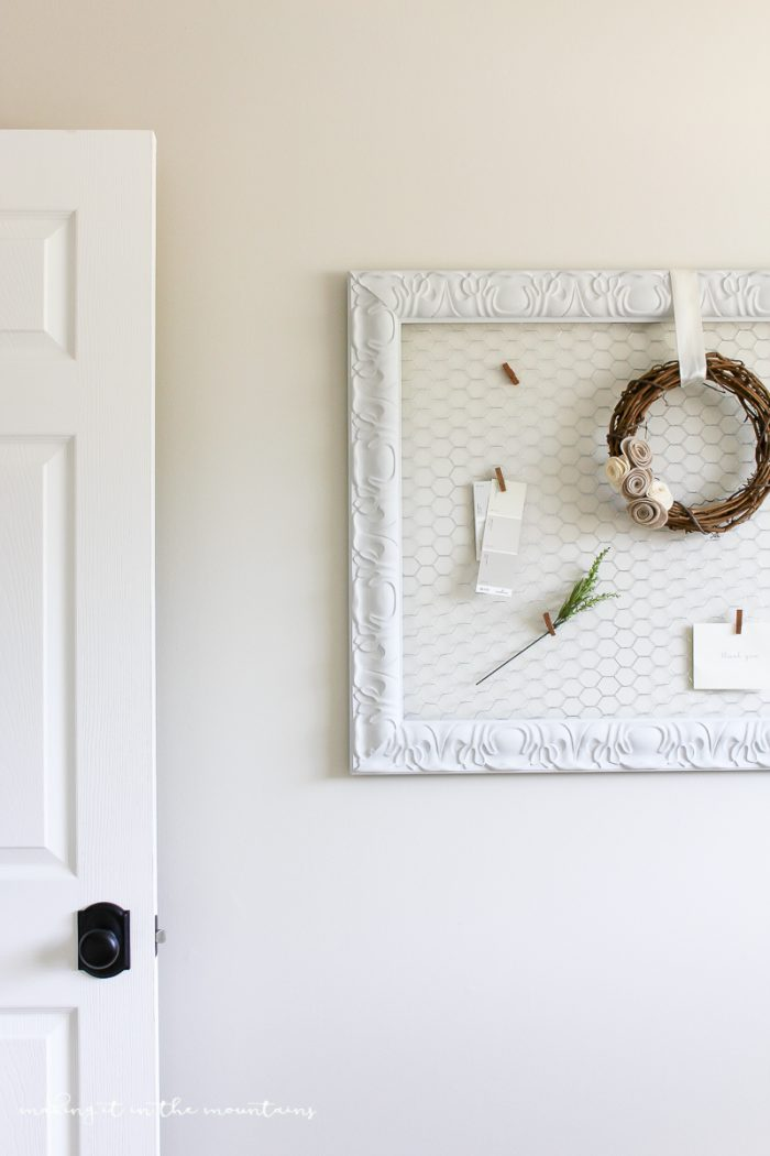 Easy DIY Memo Board, so pretty and perfect to display your favorite photos or decor! |via MakingItInTheMountains.com