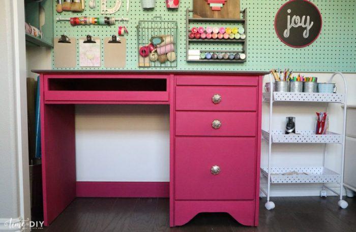 Cute Pink Desk Makeover!