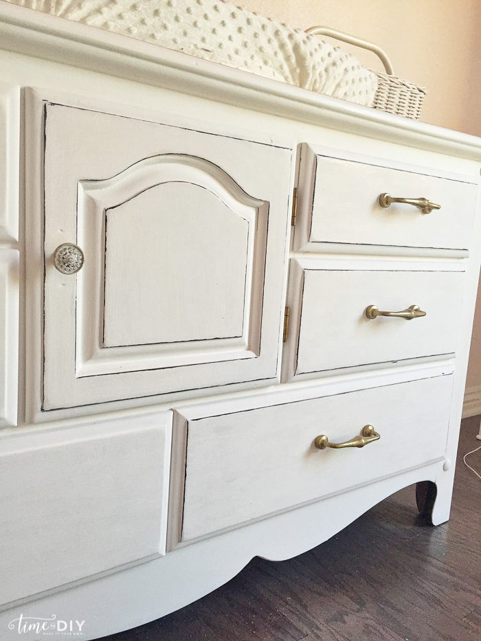 Chippy Glam Dresser Makeover