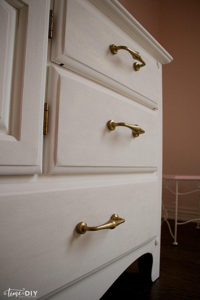 Chippy Glam Dresser Makeover