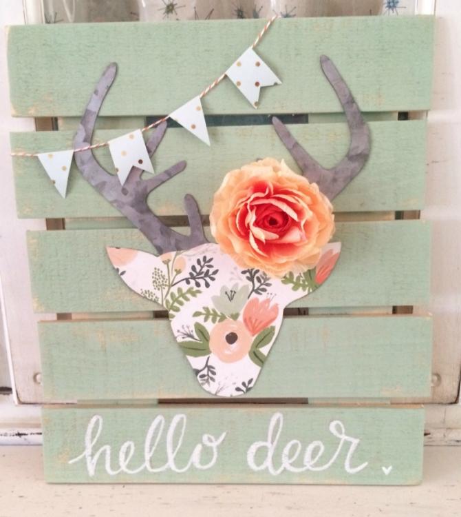 Awesome DIY floral deer head pallet art Easy DIY deer head silhouette craft Love this
