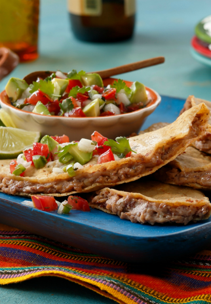Jalapeno refried beans tacos, so yummy! Easy Mexican food dish, mm!