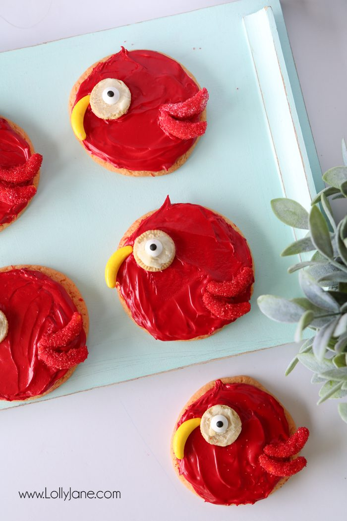 Cute! Easy peasy Parrot Sugar Cookies, great for a jungle theme party!