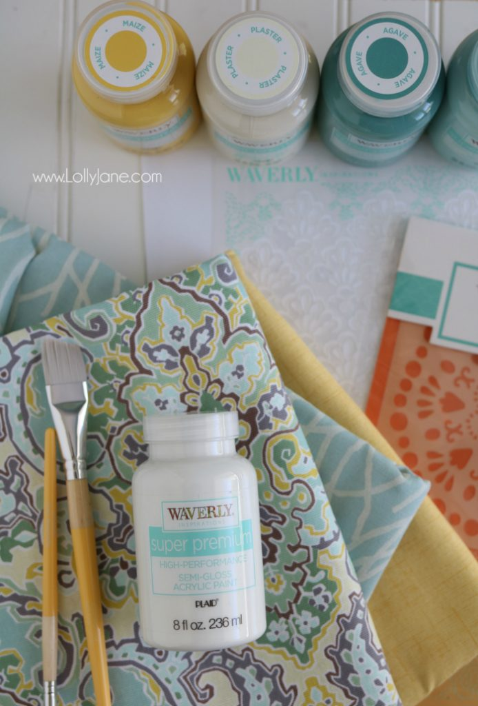 Easy no-sew pillows made in less than 20 minutes! Love the coordinating Waverly paints, cute!