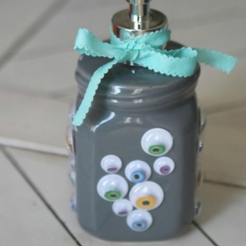 Googly Eye Halloween Soap Dispenser craft, so fun for Halloween! Love this easy Halloween craft idea, such a fun Halloween kids craft or Halloween gift idea!