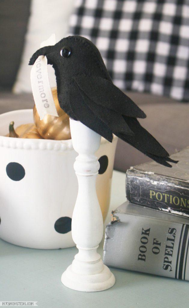Poe-Inspired Raven Halloween Decor. Easy raven felt Halloween craft. Love this simple Halloween decor project!