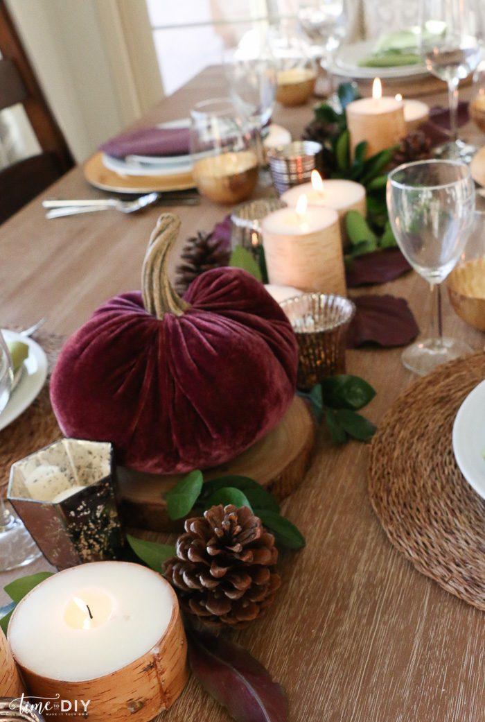 Pretty Thanksgiving tablescape decor ideas!