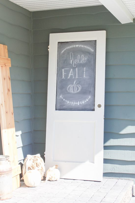 DIY Vintage Door Chalkboard tutorial: Turn an old door into a chalkoard, such a great upcycle! Love this vintage door repurpose!