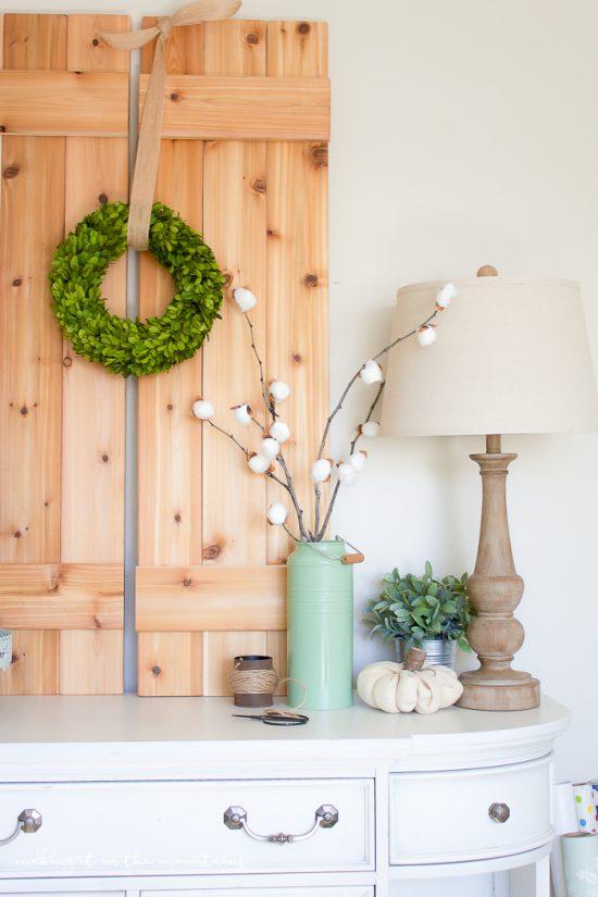 Easy DIY cotton stems turorial. Love this easy farmhouse home decor idea!