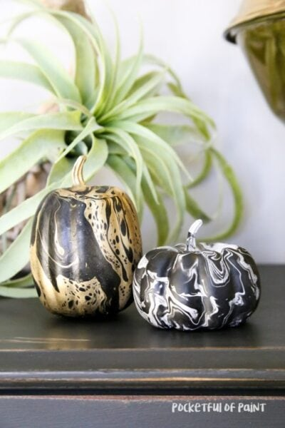 DIY Marble Pumpkins, fun Halloween decor to make with the kids!