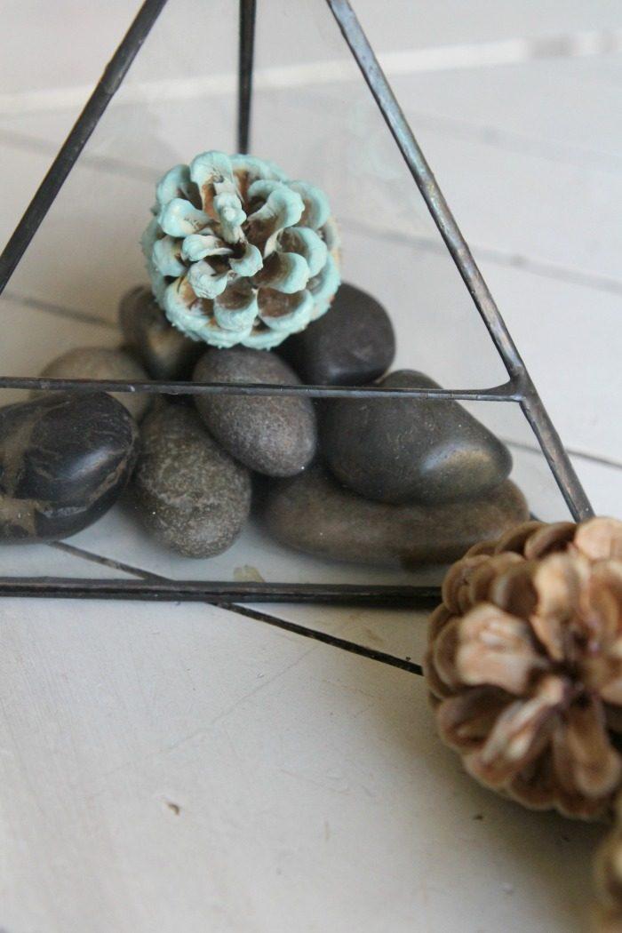 DIY Pinecone Succulents | Easy fall decor centerpiece idea! Love this easy fall craft, cute fall home decor too!