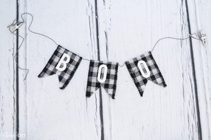 DIY Reversible Banner, so cute and easy to make!