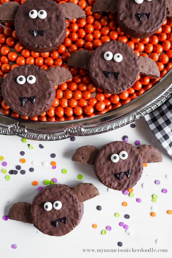 Ding Dong bat treats | Love this easy Halloween craft, such a cute kids Hallween treat idea!