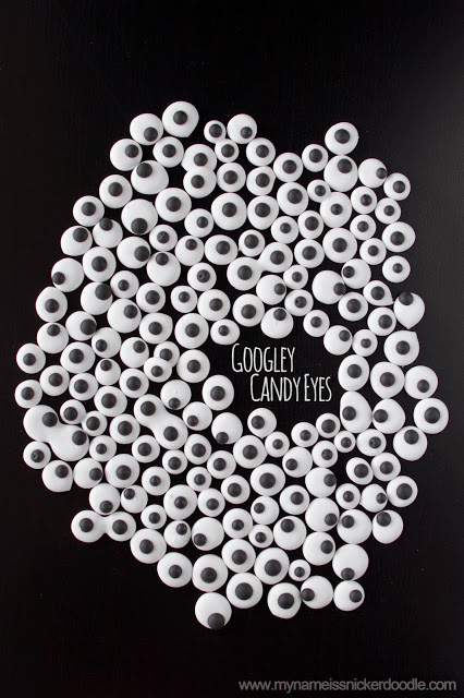 How to make googley candy eyes! So easy and fun! Great kids Halloween craft/treat!
