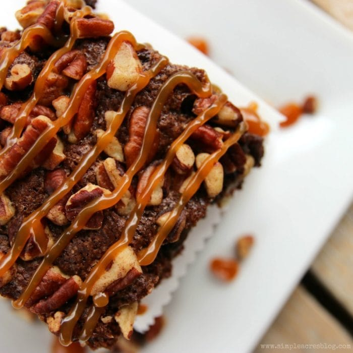 The best homemade fudge brownie. Love these fudge brownies, yum! The caramel pecan brownie toppings are so yummy on these easy fudge brownies!