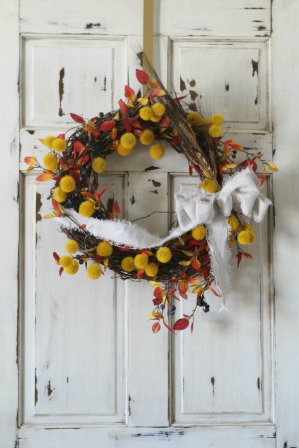 DIY fall wreath tutorial.