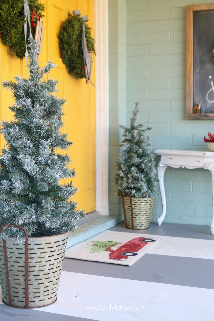 Ideas To Decorate An Outdoors Christmas Tree