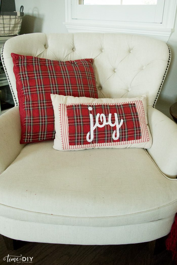 Diy Cute Pillow No Sew : No-Sew Christmas Pillows - Lolly Jane