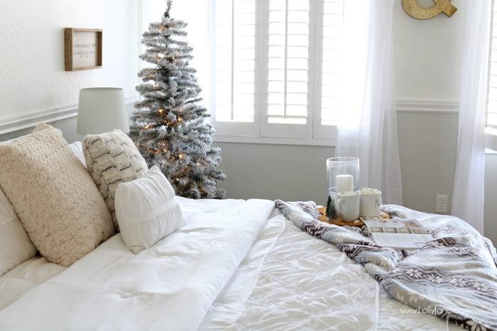 Cozy Christmas Master Bedroom    click to see the rest of the space decked. Cozy Christmas Master Bedroom Retreat Ideas