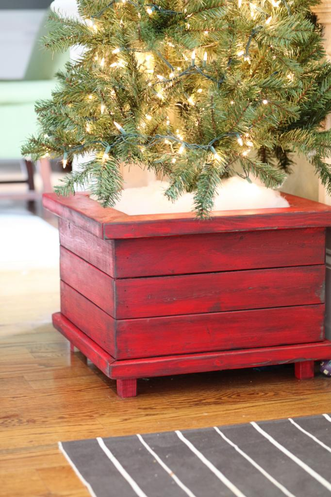 21 christmas tree stand ideas lolly jane for Christmas tree in a box