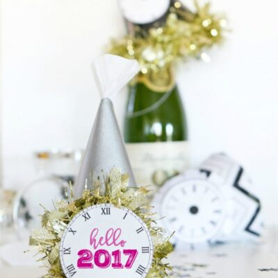 NYE party hat tutorial with free clock printable