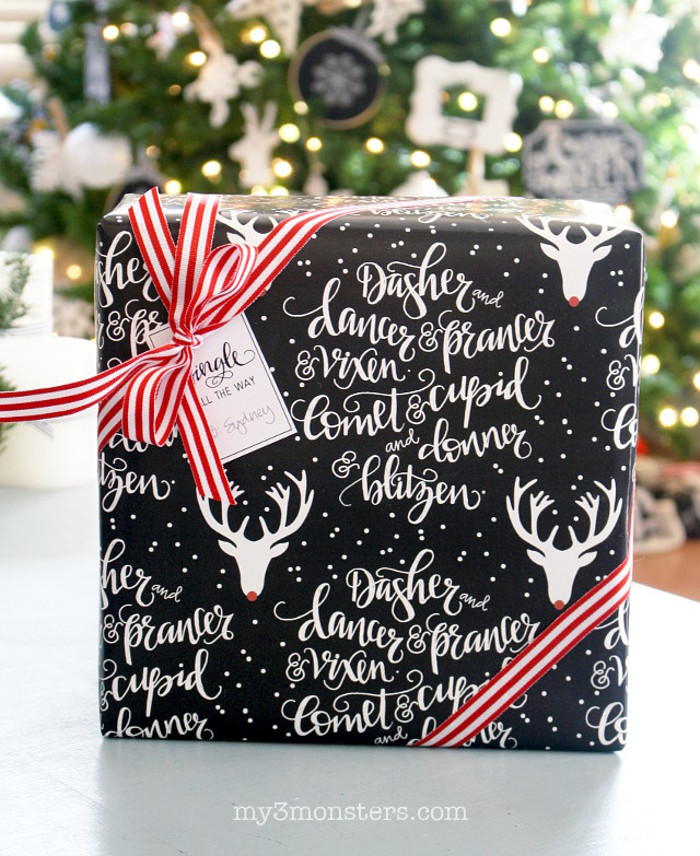 Free printable gift boxes. Love these free printable Christmas gift boxes! Such an easy way to gift wrap!!