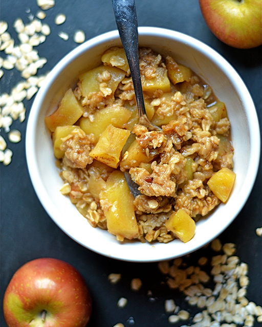 Instant Pot Dessert Recipes - apple crisp