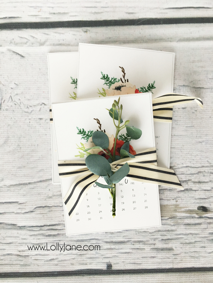 Download a free calendar, print and wrap in pretty ribbon for an affordable gift idea! This is a great new years gift to kick off the new year and to stay motivated. Love this free calendar gift idea!