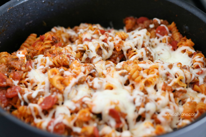 This easy One Pot Pizza Pasta is a breeze to whip up. Your family will go crazy for the flavor and Mom loves the easy cleanup!