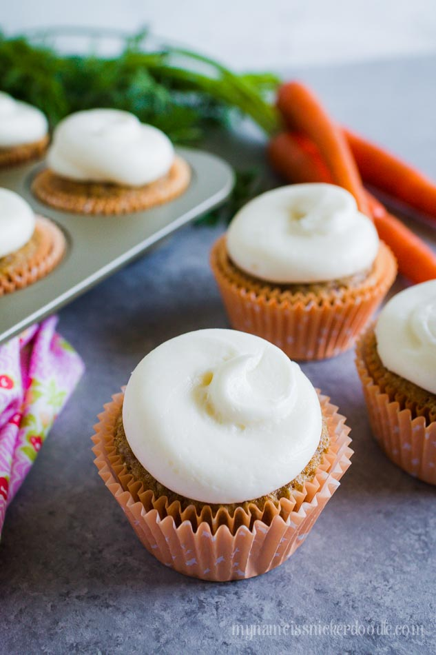 Easy Carrot Cake Cupcakes, so yummy with this Cream Cheese Frosting! YUM!