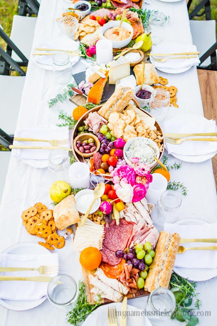Check out this cute Charcuterie Board party!!