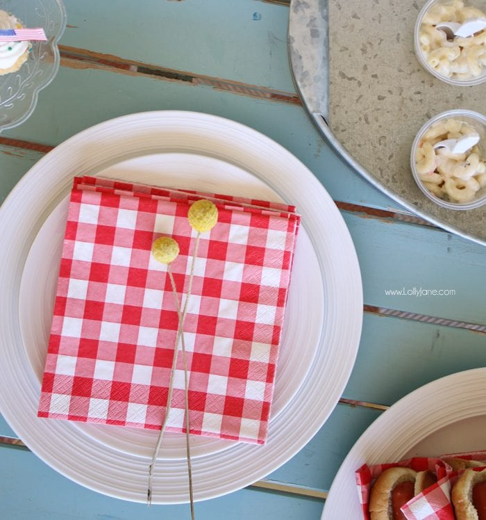 Easy Barbecue Tips + Tricks... click through for this nearly utensil-free party, just grab 'n go!