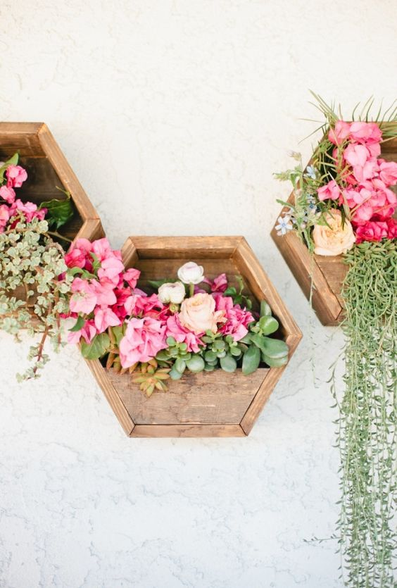 Beautiful  stunning wall planters Check out these green happy wall planter decor ideas Love