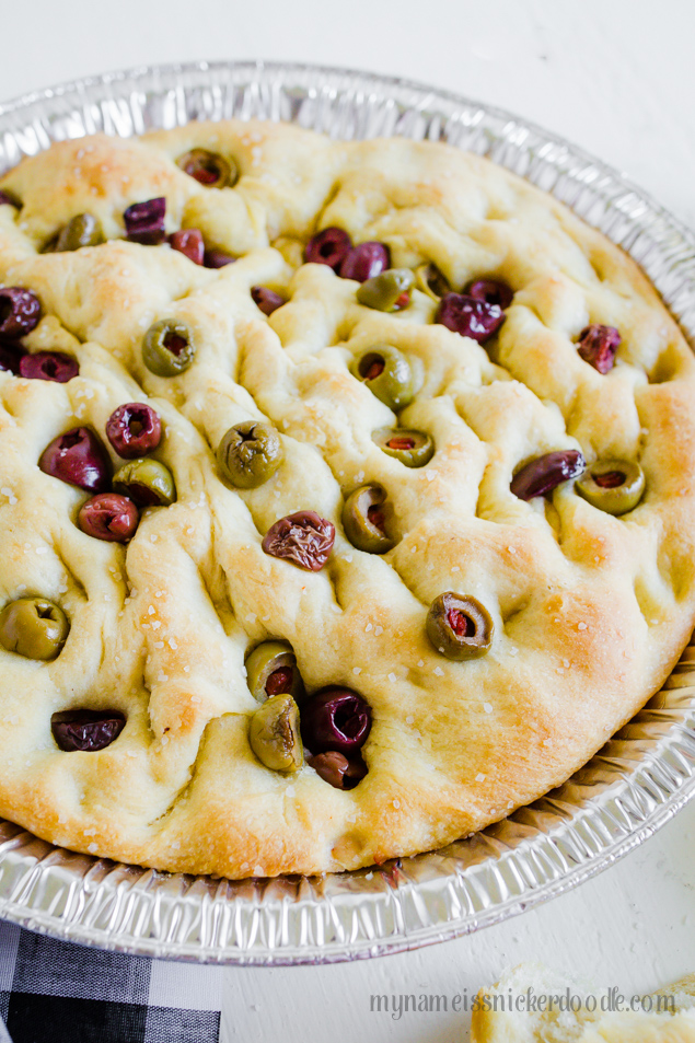 Easy Olive Focaccia Bread recipe, yum! Easy step by step to make this comforting bread recipe. Top with olives, mm!