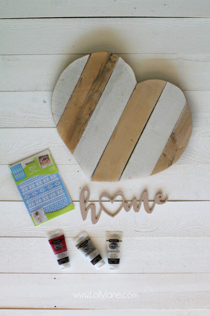 DIY | Heart pallet art home sign! Such a fun way to upcycle pallets, paint and stencil then add a wood cutout phrase. Cute home decor idea!
