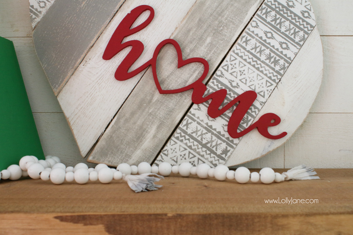 DIY | Heart pallet art home stencil sign! Such a fun way to upcycle pallets, paint and stencil then add a wood cutout phrase. Cute home decor idea!