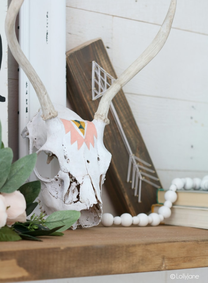 Pretty painted skull, love the boho look made with a paint brush and acrylic paint in no time!