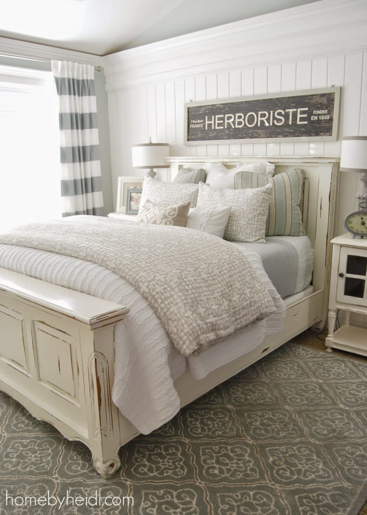 11 stunning farmhouse master bedrooms lolly jane for Farmhouse style bed