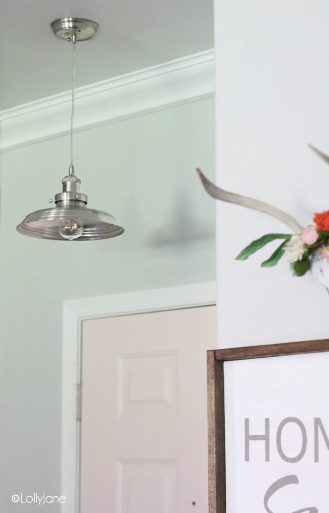 Love this cute metal mini pendant, perfect touch for this small entryway!