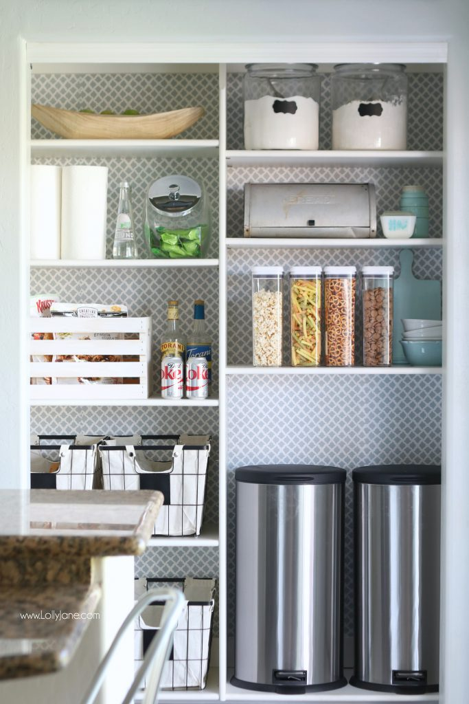 Awesome tips to keep your pantry clean & organized!
