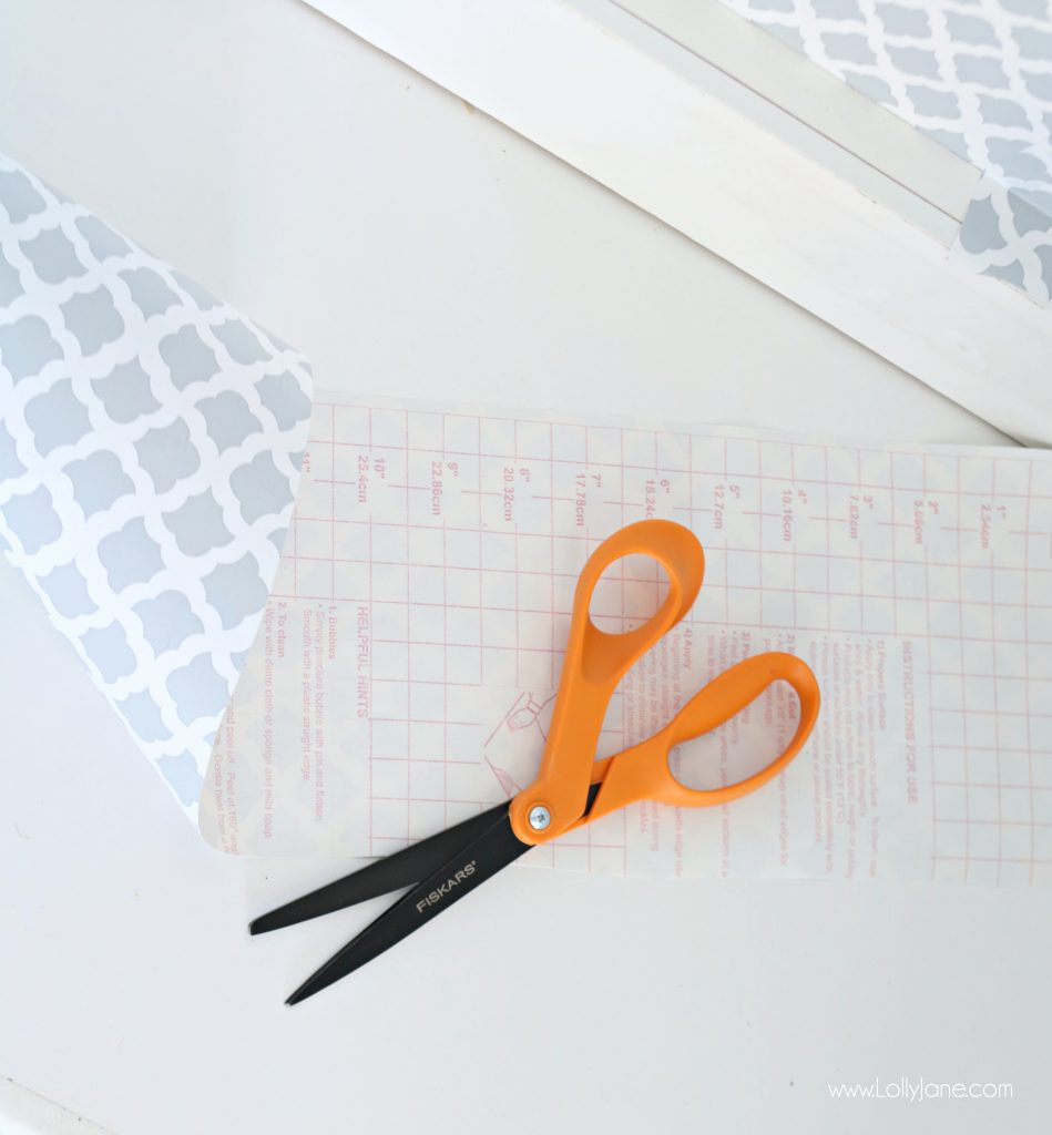 Easy pantry faux wallpaper makeover - Just Fiskars all-purpose scissors and a role of adhesive shelf liner can spruce up a pantry or closet in just minutes!