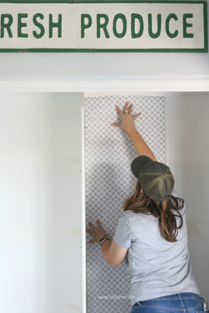 Easy pantry faux wallpaper makeover - See the amazing transformation of this boring pantry turned chic and organized with just 2 items! Click to see the before & after!